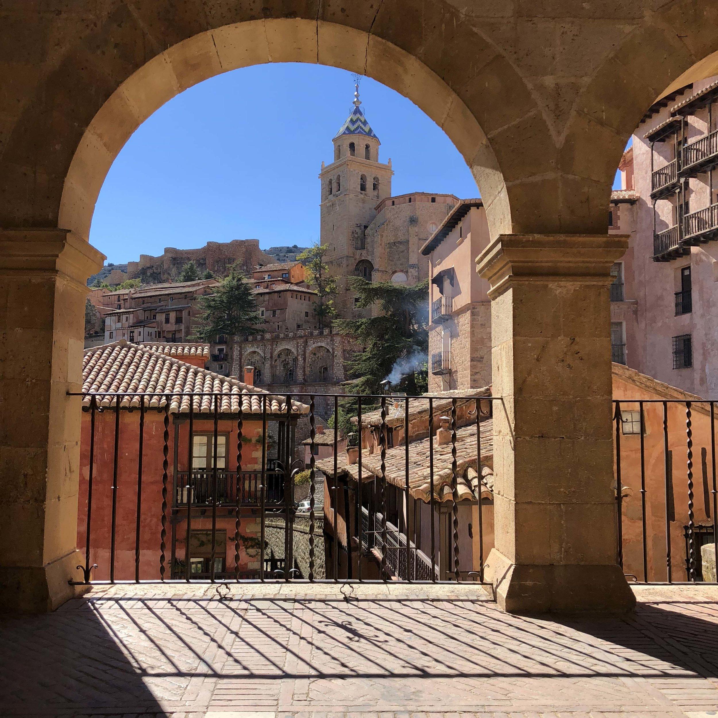Vista de Albarracín desde la plaza mayor.