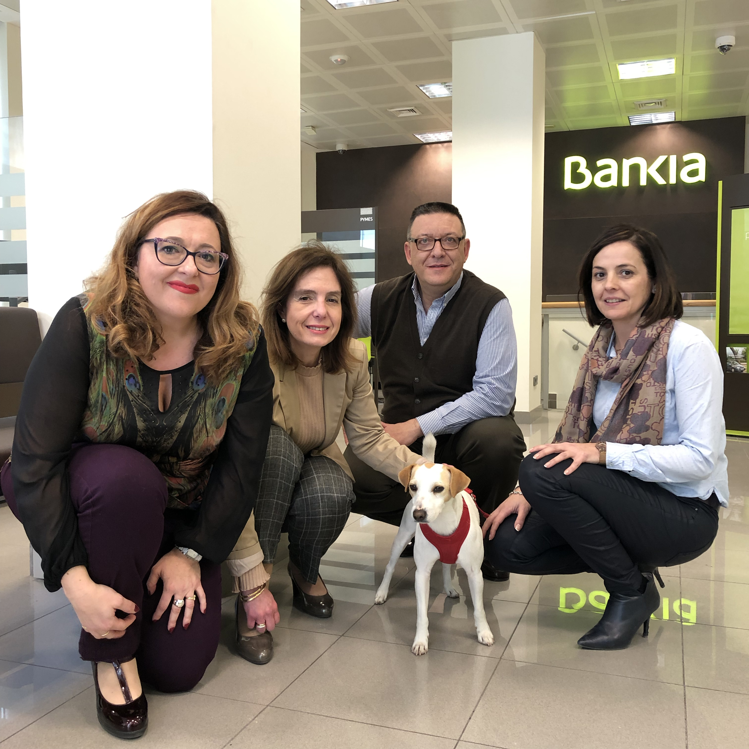 Con el equipo de Bankia de la oficina de la Avenida de la Libertad de Murcia.