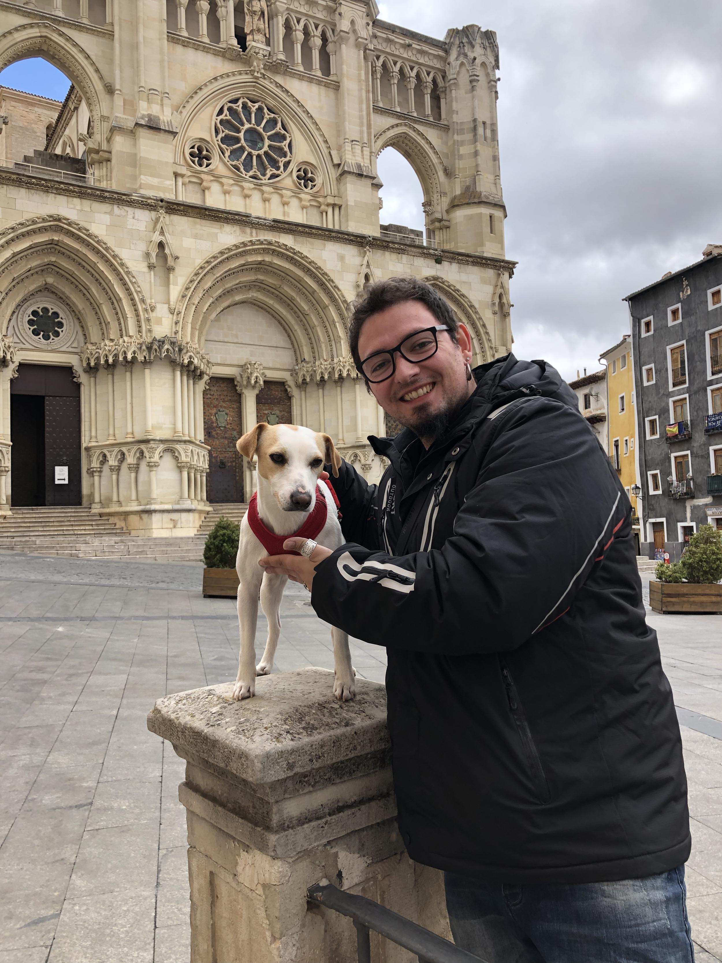 Con Cristian, guía turístico de Tempus Cuenca.