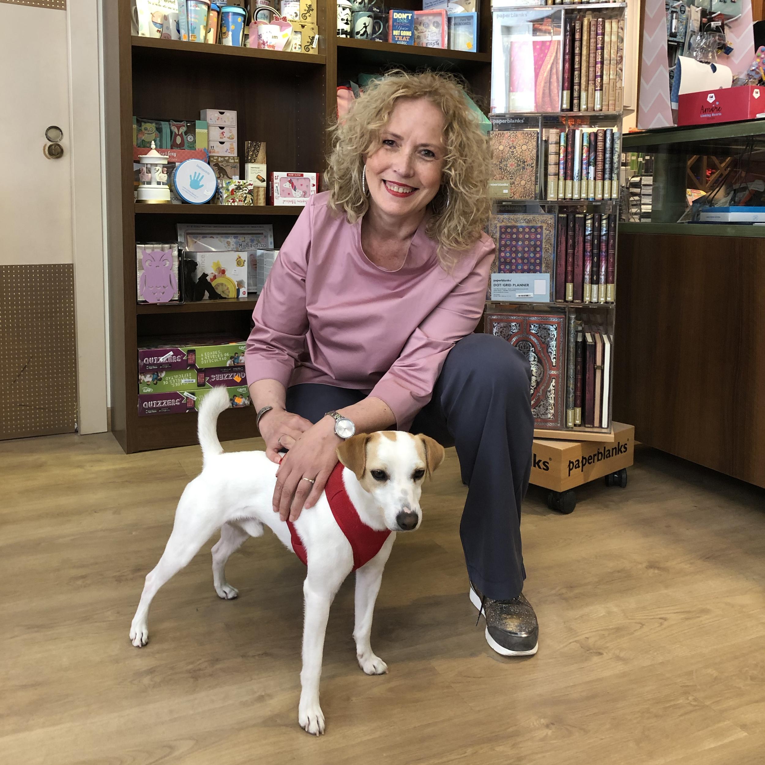 Con María en la Librería Pipper de Guadix.