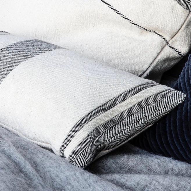 cushions& textiles -