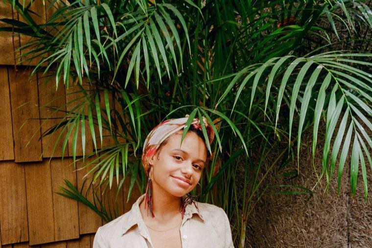 Gianna Hayes | Hazey - Designer & Photographer (Brown Skin Girl)