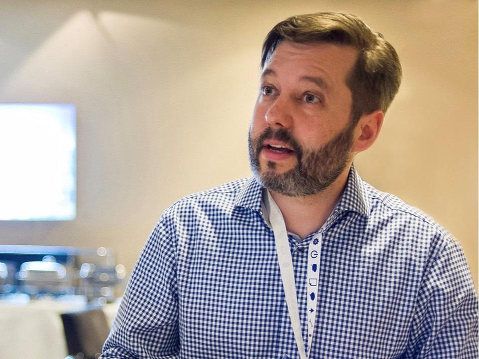 """ANDRE SANDMANN / PIKKA GMBH - Mit André Sandmann, Mitinhaber von Pikka GmbH unterhalte ich mich mit Worten. Seine Antworten lieferte er mir in Bildern. """"Grafic Recording"""" bezeichnet er sein Tun. Warum passt diese Technik besonders gut zu Innovationsthemen? Er hat es für mich und Euch gleich Mal skizziert."""
