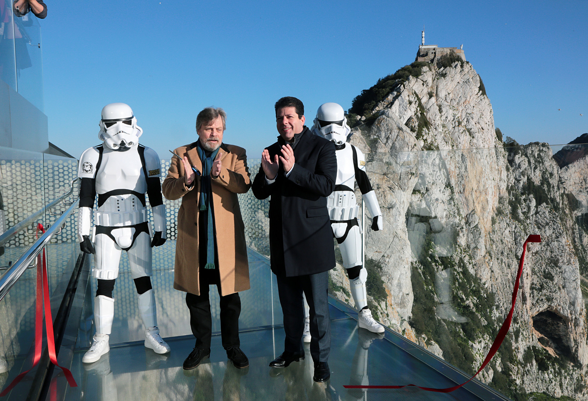 Mark Hamill and the Chief Minister on the Gibraltar skywalk