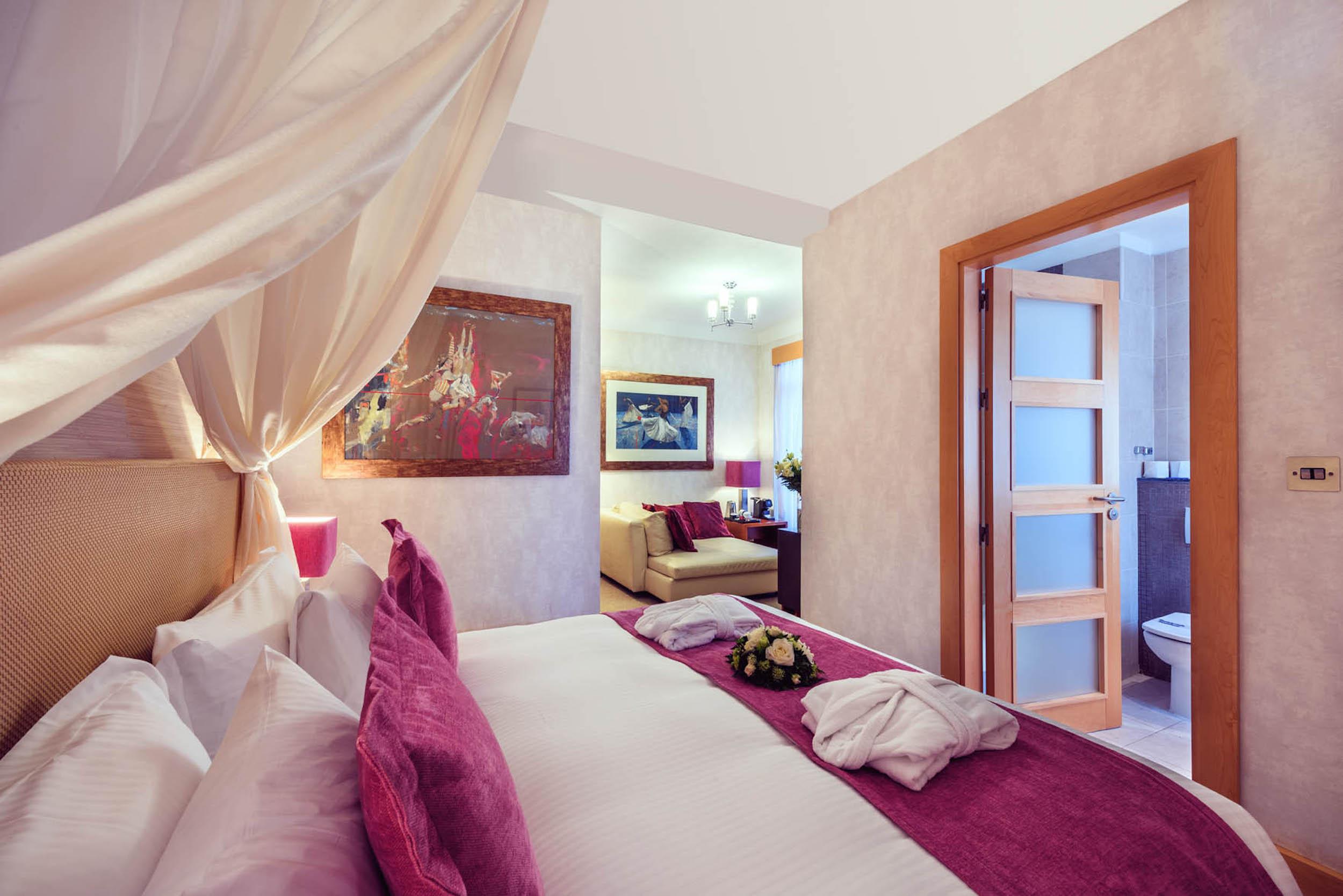 Caleta-Rooms-17.jpg