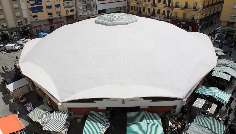 Madrid architect Eduardo Torroja pioneered the floating concrete shell roof with his design for Algeciras Market  IMAGE:  Falconaumanni   CC BY-SA 2.5