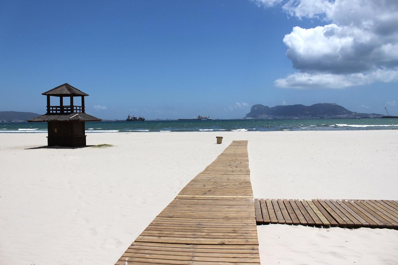 Rinconcillo beach could rival any in the Bahamas. IMAGE  Falconaumanni   CC BY-SA 3.0