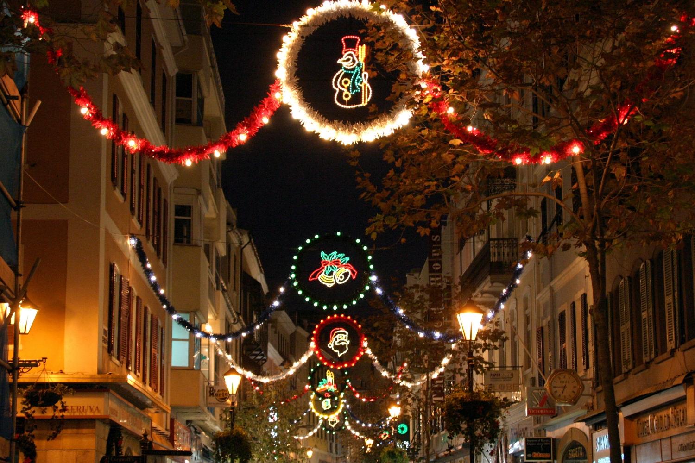 christmas-shopping-in-gibraltar