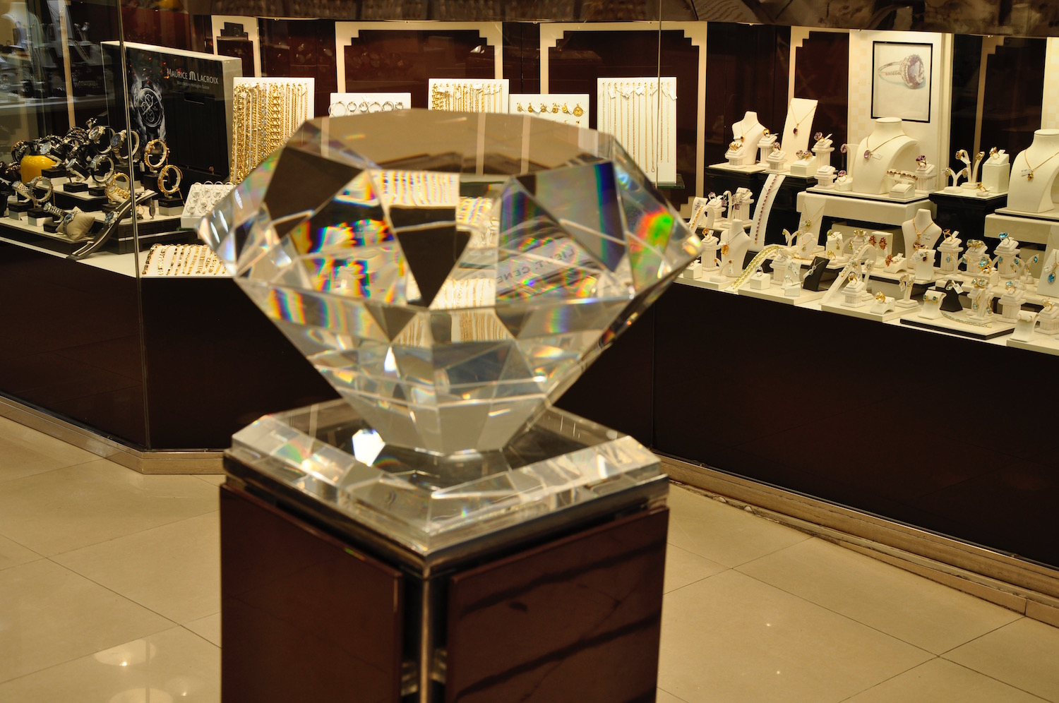 The Diamond District - Many of the jewellry shops including Rolex and Pandora cluster midway along Lower Main Street. Gibraltar is the very place for weddings as John and Yoko knew. If you can't run to a real diamond, check out the fab range of lookalike Cubic Zirconia jewellery.