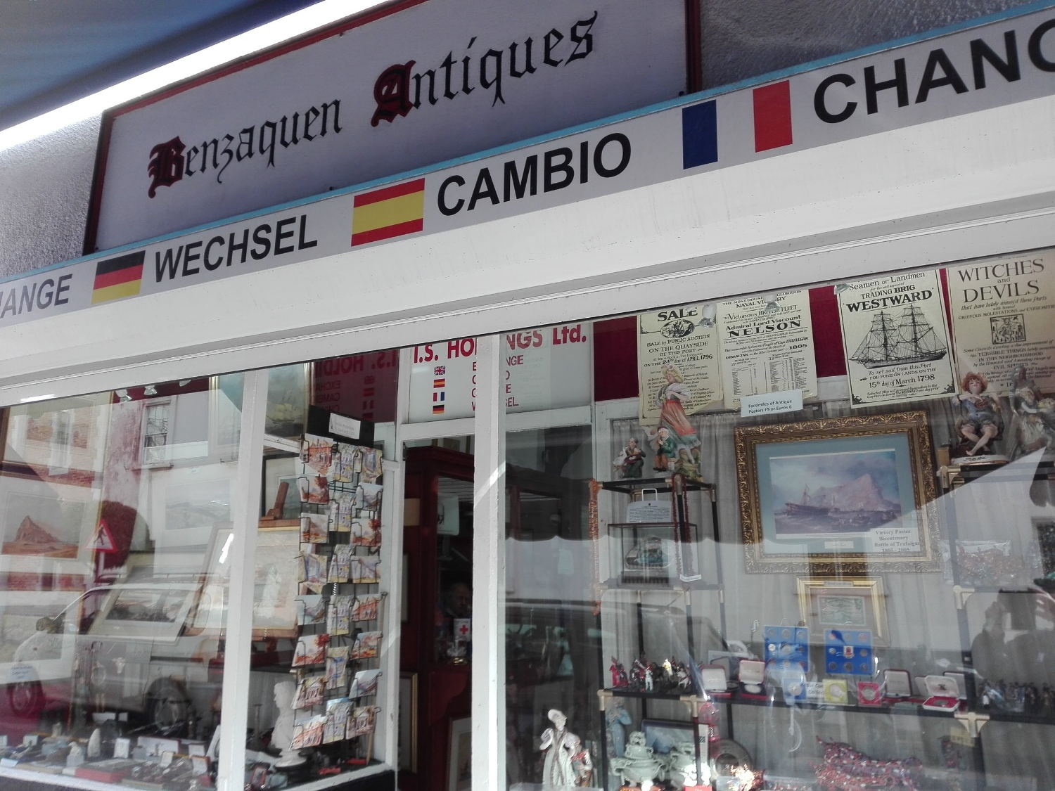 Benzaquen Antiques - A genuine Old Curiosity Shop, trading in rare antiquities for three generations. It's also a burea de change! And this one offers the best rate in town - maybe because it's the furthest to walk to! It's just up from No. 6.Open Mon-Fri 09.00-19.00