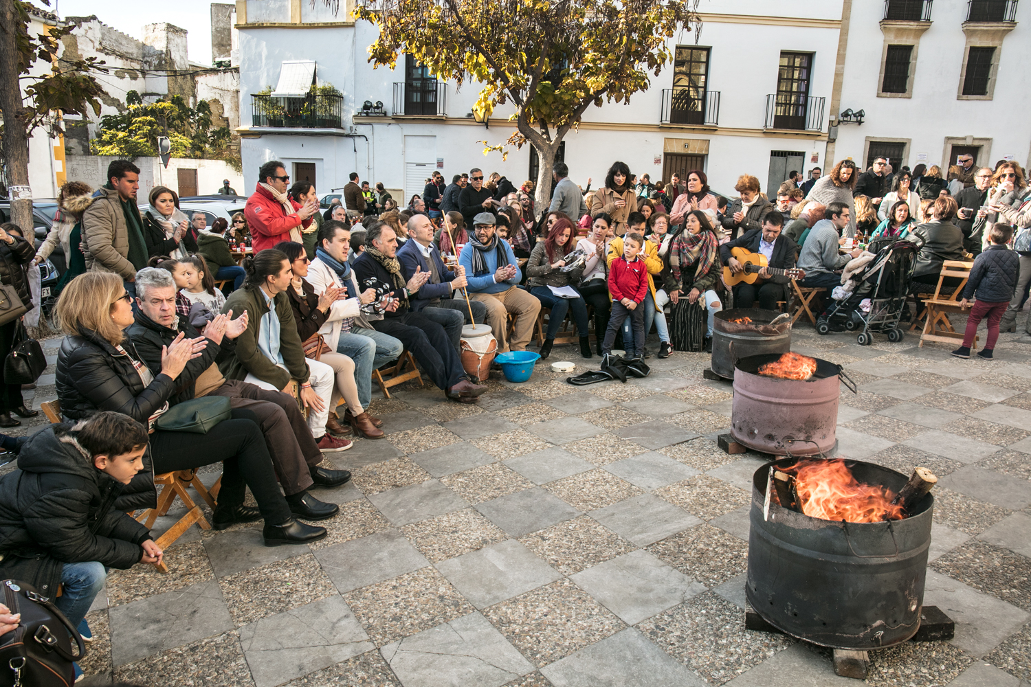 Zambomba in the Plaza - The outdoor squares of Jerez resonate to the music of a zambomba in December. IMAGE Pepe González Cabello