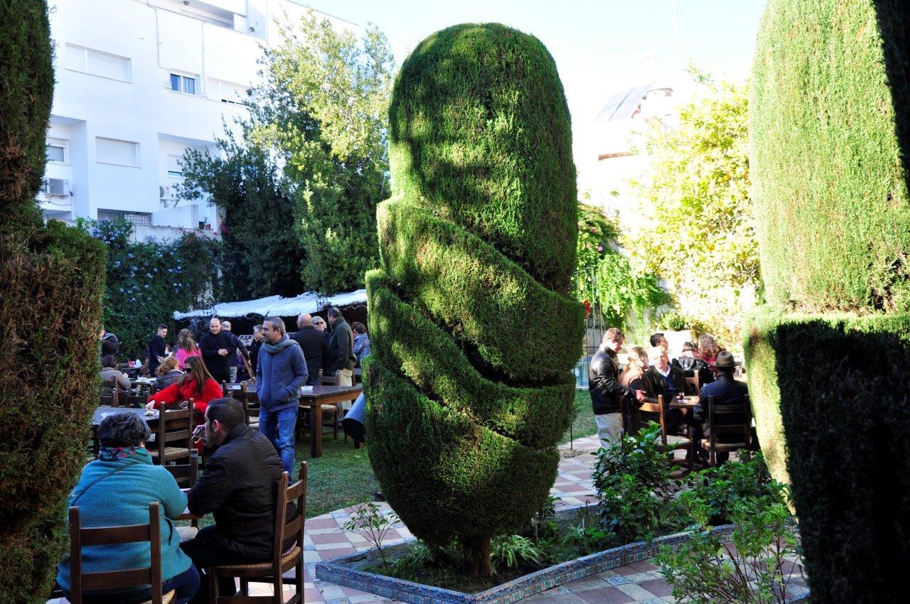 The gardens of the Palacio del Virrey Laserna are a perfect zambomba setting