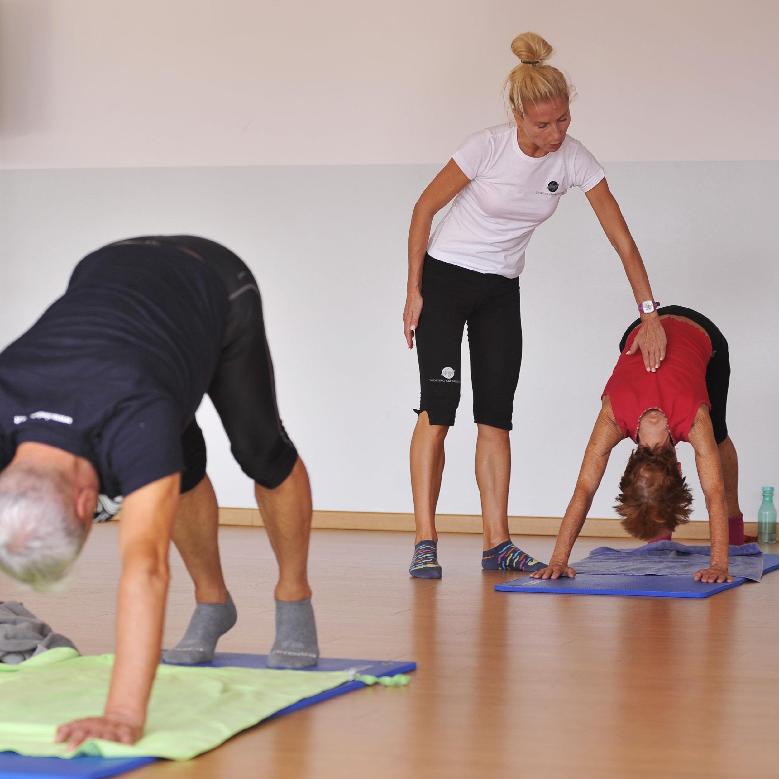Equilibrium - 55 minuti di allenamento che fonde Yoga, TaiChi e Pilates che migliora la flessibilità, l'equilibrio e la forza del corpo. Il controllo del respiro, la concentrazione, i movimenti posturali, accompagnati da un sottofondo musicale, coinvolgono corpo e mente donando una meravigliosa sensazione di benessere e serenità.