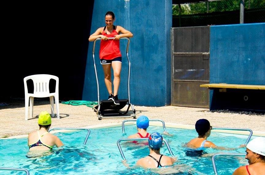 TAPIS | GYM - Alternanza di esercizi sul tappeto a una parte di lezione a corpo libero.