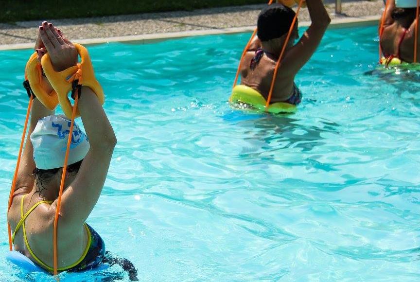 WATER CROSS TRAINING TABATA - Evoluzione dell'interval training, una forma molto intensa di allenamento cardiovascolare attento alla tonificazione del core, dei glutei, dei muscoli delle gambe e delle braccia.