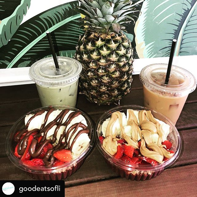 Iced lattes and Coastal Bowls. What could be better.  Repost: Thanks for the great photo @goodeatsofli  #labordayweekend #lastofsummer #coastalcoffeelbi #beachhaven #organicacai