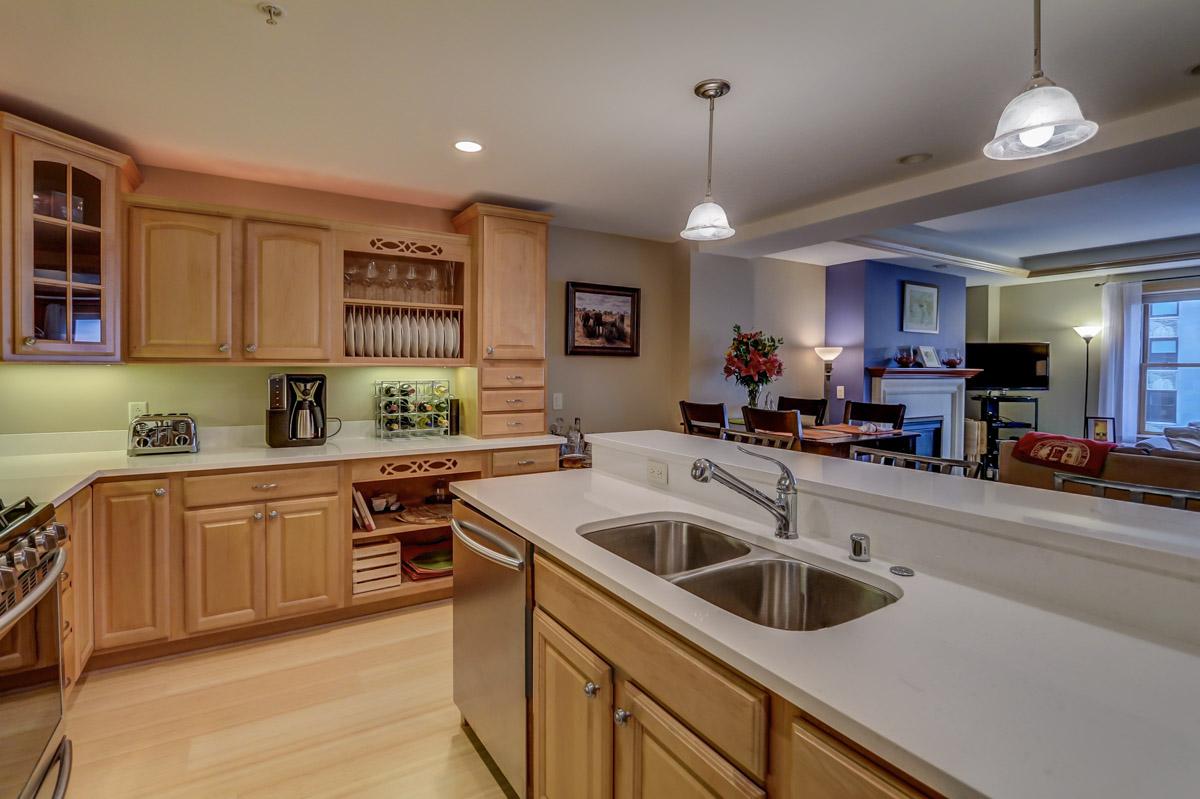 123 W. Washington Ave, Unit 506 Madison, WI 53703 - Kitchen.jpg