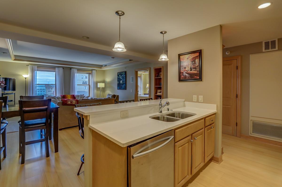 123 W. Washington Ave, Unit 506 Madison, WI 53703 - Kitchen3.jpg