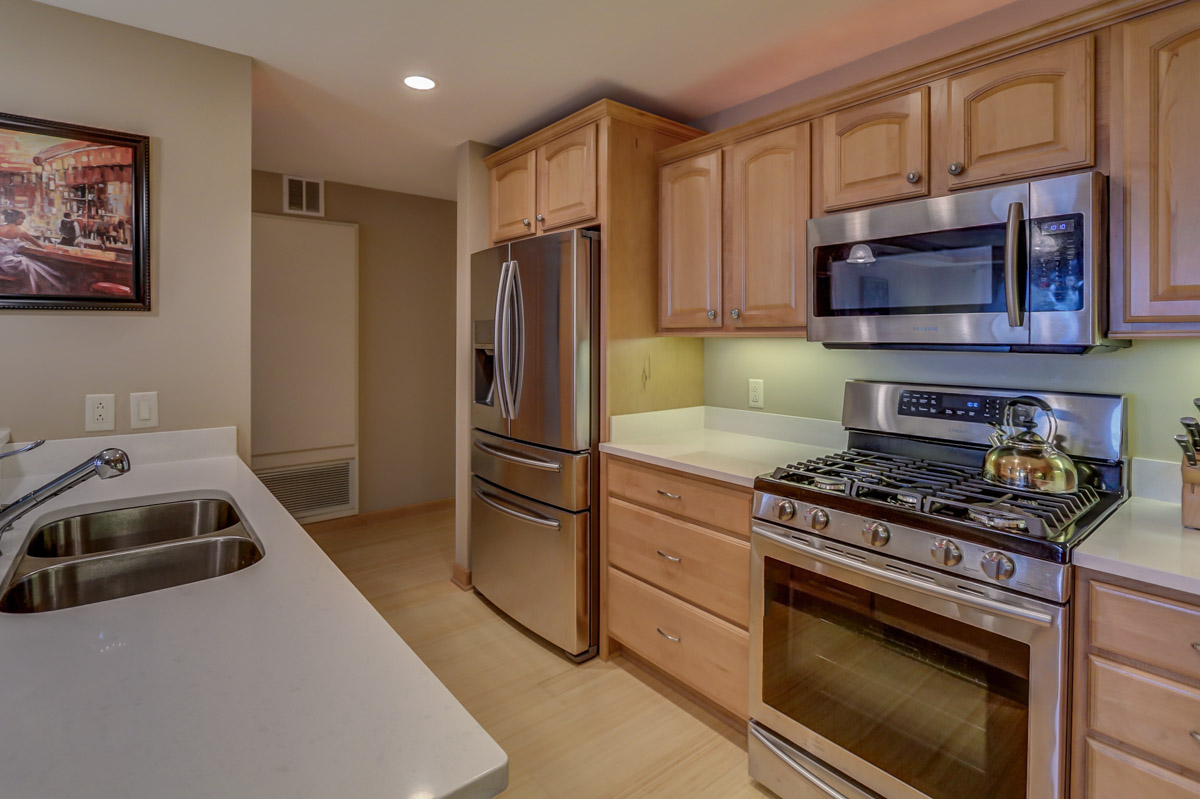 123 W. Washington Ave, Unit 506 Madison, WI 53703 - Kitchen5.jpg