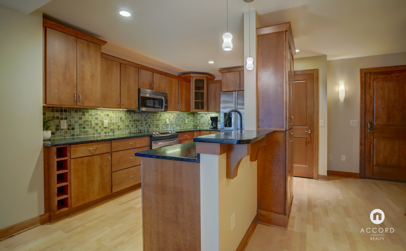 123 W Washington Ave #303 Madison, WI 53703 - Kitchen6.png