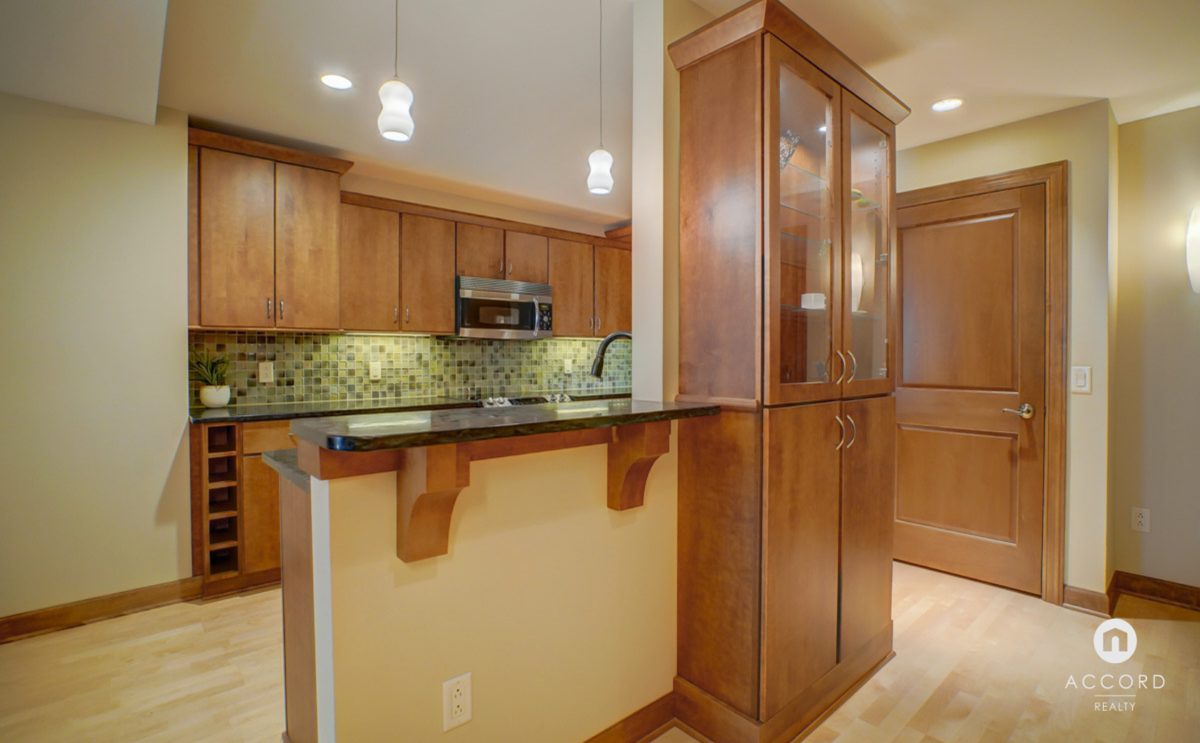 123 W Washington Ave #303 Madison, WI 53703 - Kitchen7.png