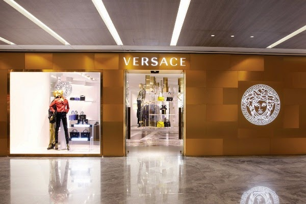 Versace store in Singapore Paragon Shopping Centre.jpg