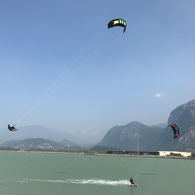 Speed away and don't give Ryan the satisfaction of jumping over you. • • • #squamish #kiteboarding #adventuresports #canadianarmy #firstresponders #therapysession #rcmp #police #military #seatosky #adventuretherapy #mentalhealth #britishcolumbia #bigair