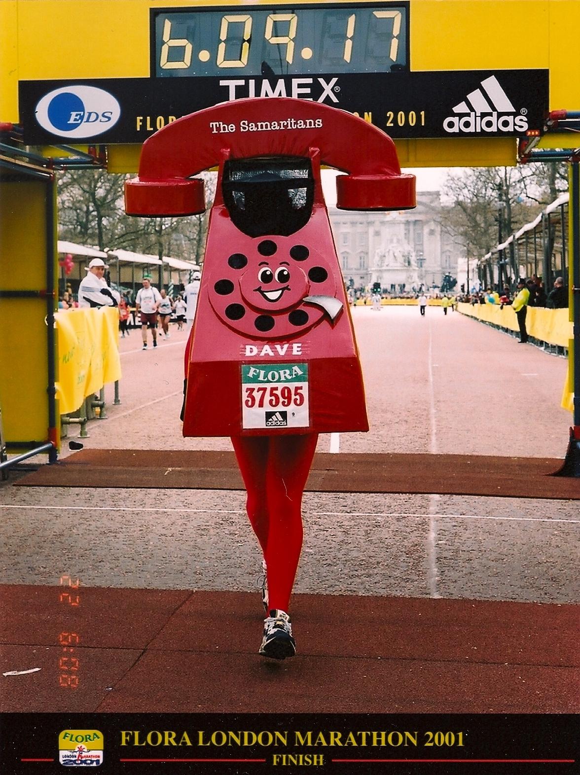 2001 London Marathon - Red Telephone.jpg