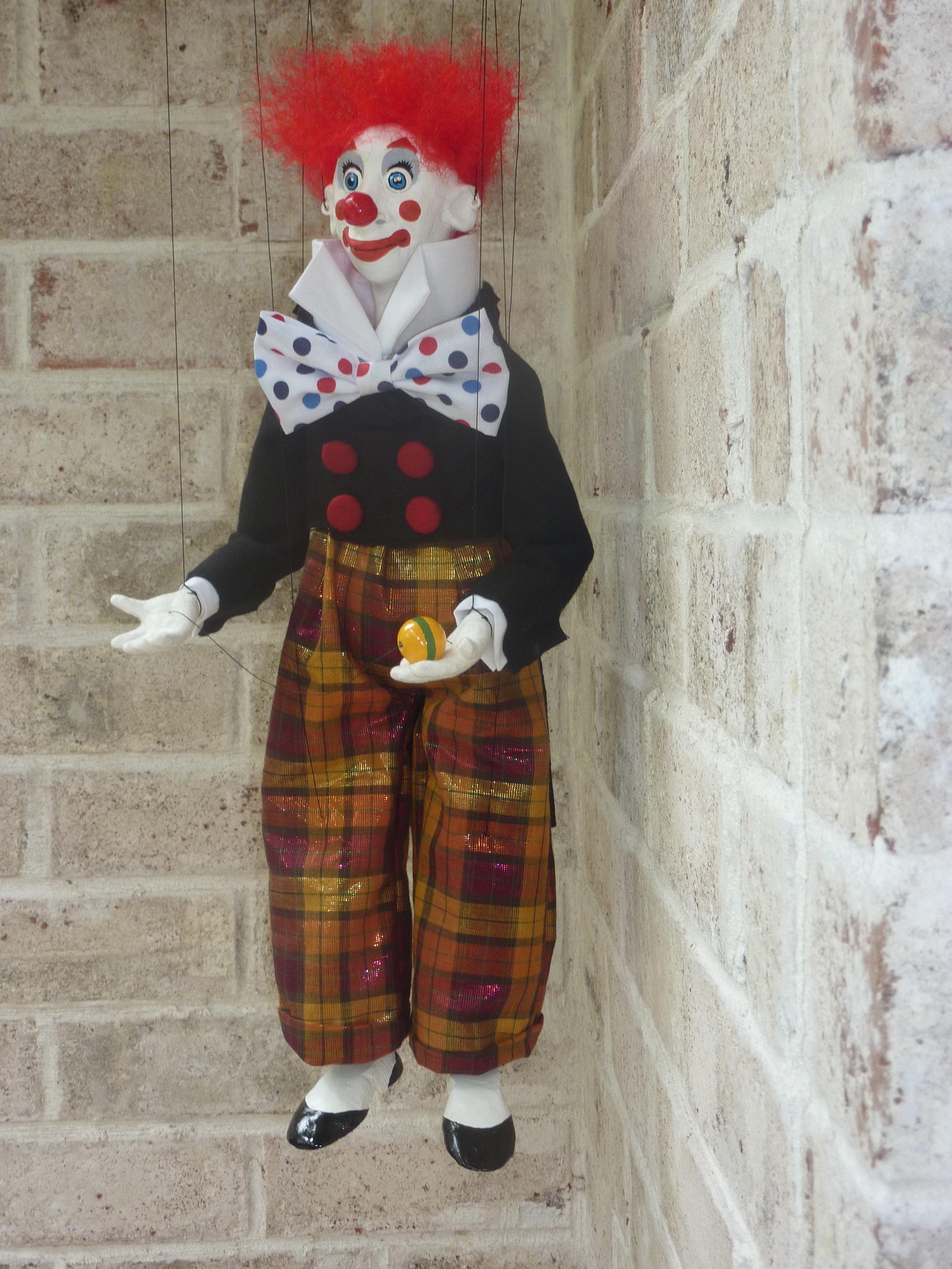 pomeroy puppets bobolino #2.JPG
