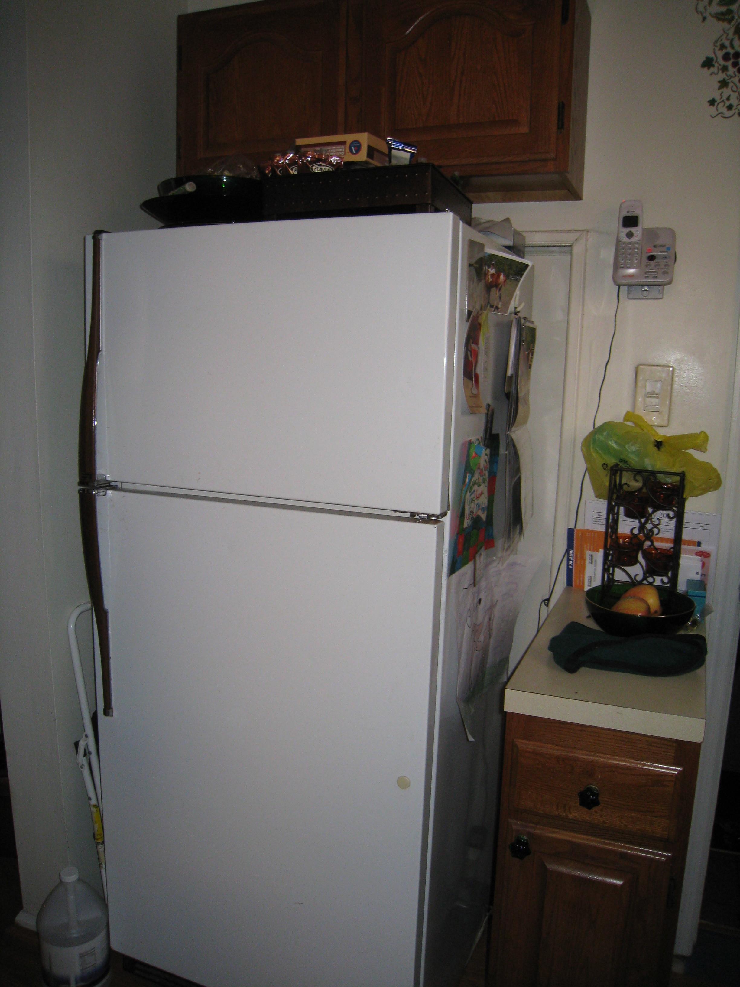 Lin kitchen beforeIMG_2123.jpg