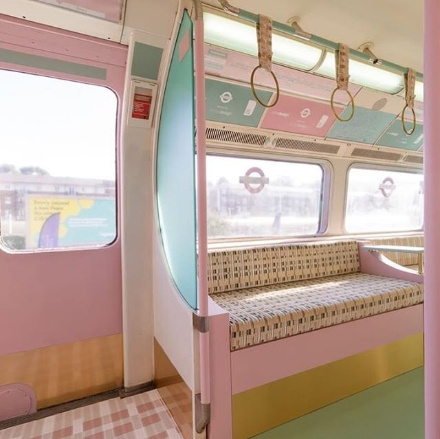 If only tube trains could look like this one 🍭  designed by @kirkbydesign 📷: @clerkenwelldesignweek . . . . #kirkbydesign #pastel #tubetrain #tube #pastelcolours #pastelinterior #clerkenwelldesignweek #interiorstyling #interiorinspo #interiordesign