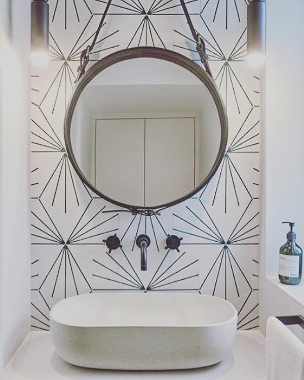 Simple & effective 🖤 . . . . .  tiles @marrakechdesign  sink @kastconcretebasins  Image @cherieleeinteriors  #interiordesign #cloakroom #kastsinks @kastconcretebasins #marrakechdesigntiles #tiles #monochrome #blackandwhite #interiormilk #bathroom #bathroomdecor #smallbathroomideas