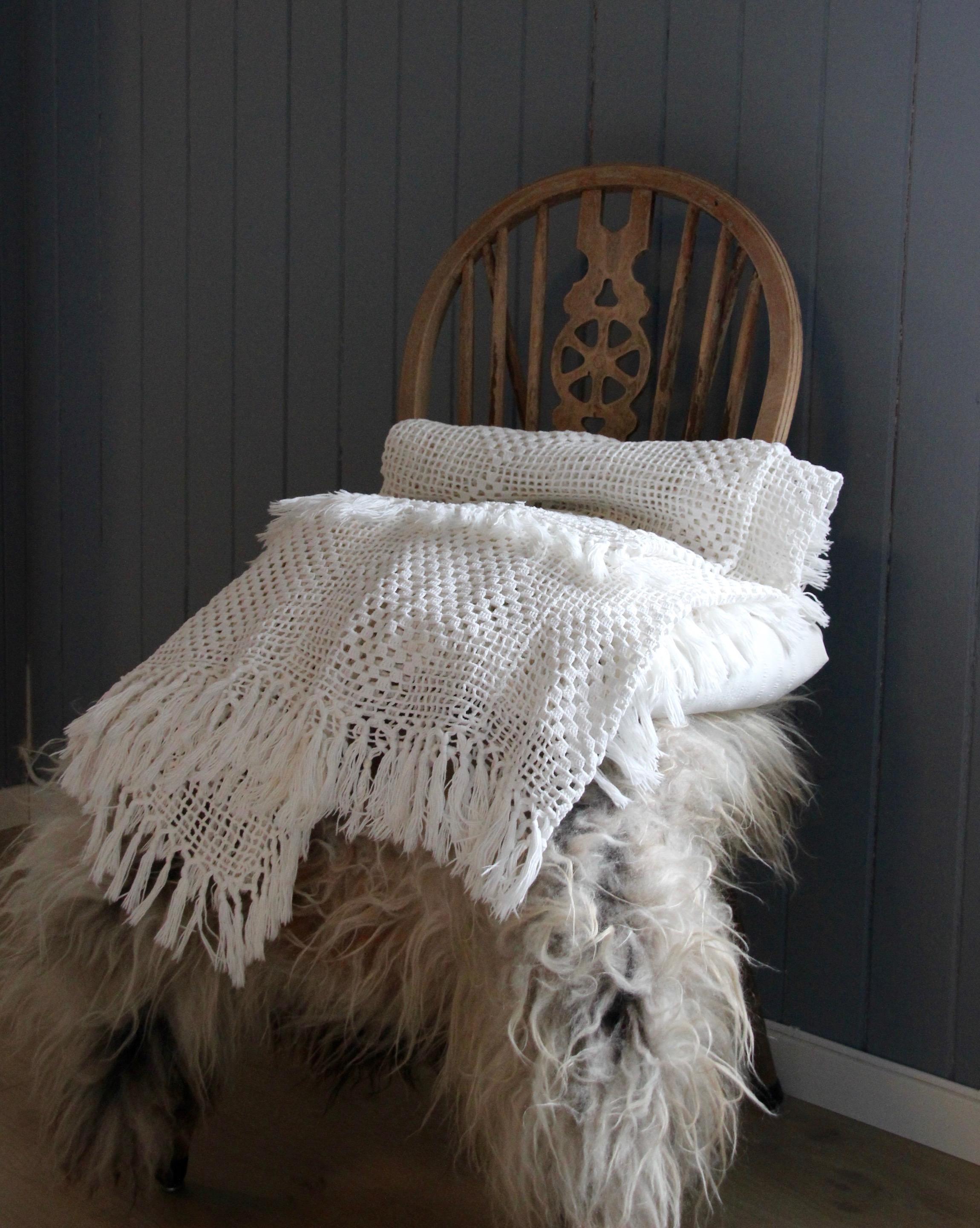 Crocheted beadspread