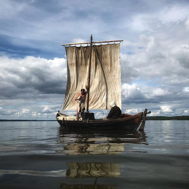 The sailing adventure at lake Mälaren has come to an end. What can go wrong with the three musketeers, a Viking ship and endless water? Captain Götz and Pedi, thank you for a great week. Pics by @akesson.rickard #vikingship #ship #boat #sailing #vikings #vikingstyle #island #vikingreenactment #mälaren #reenactment  #mylife #north #nordic #expeditionunknown #exploring #livinghistory #history #expidition #livinghistory #posingforhistory