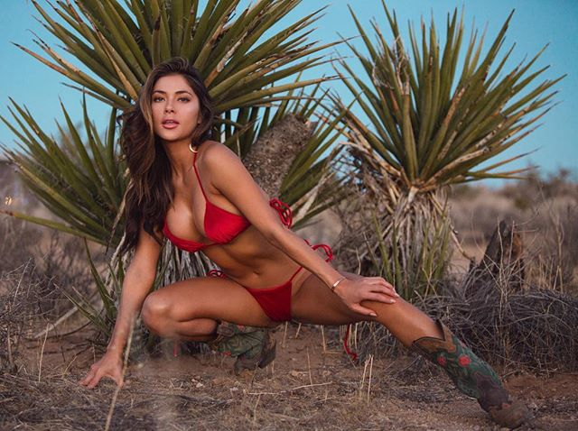 Happy birthday beautiful 💕🎂🎈🎁 - - - - - - - #scorpioseason #happybirthday #birthdaygirl #bestfriend #joshuatree #joshuatreephotography #swimsuit #model #photography #photographer #photoshoot #richellemonaephoto