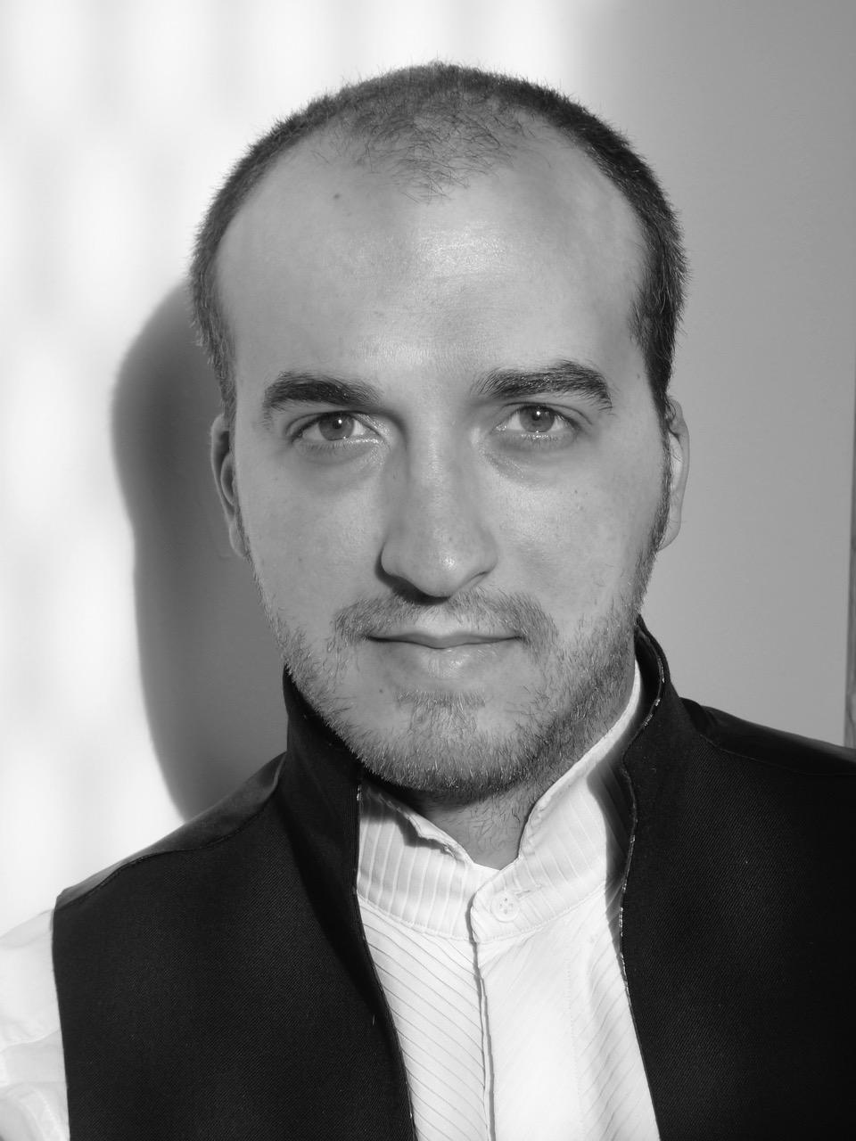 Headshot Raphaël Treiner.jpeg