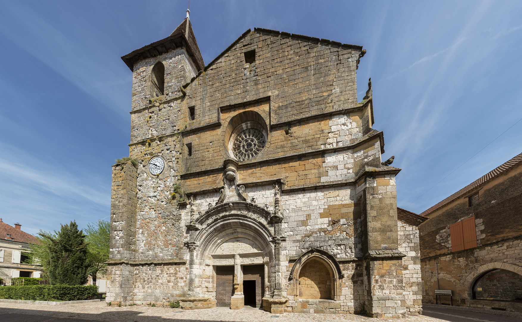 Eglise_St_Dominique_de_Monpazier.jpg