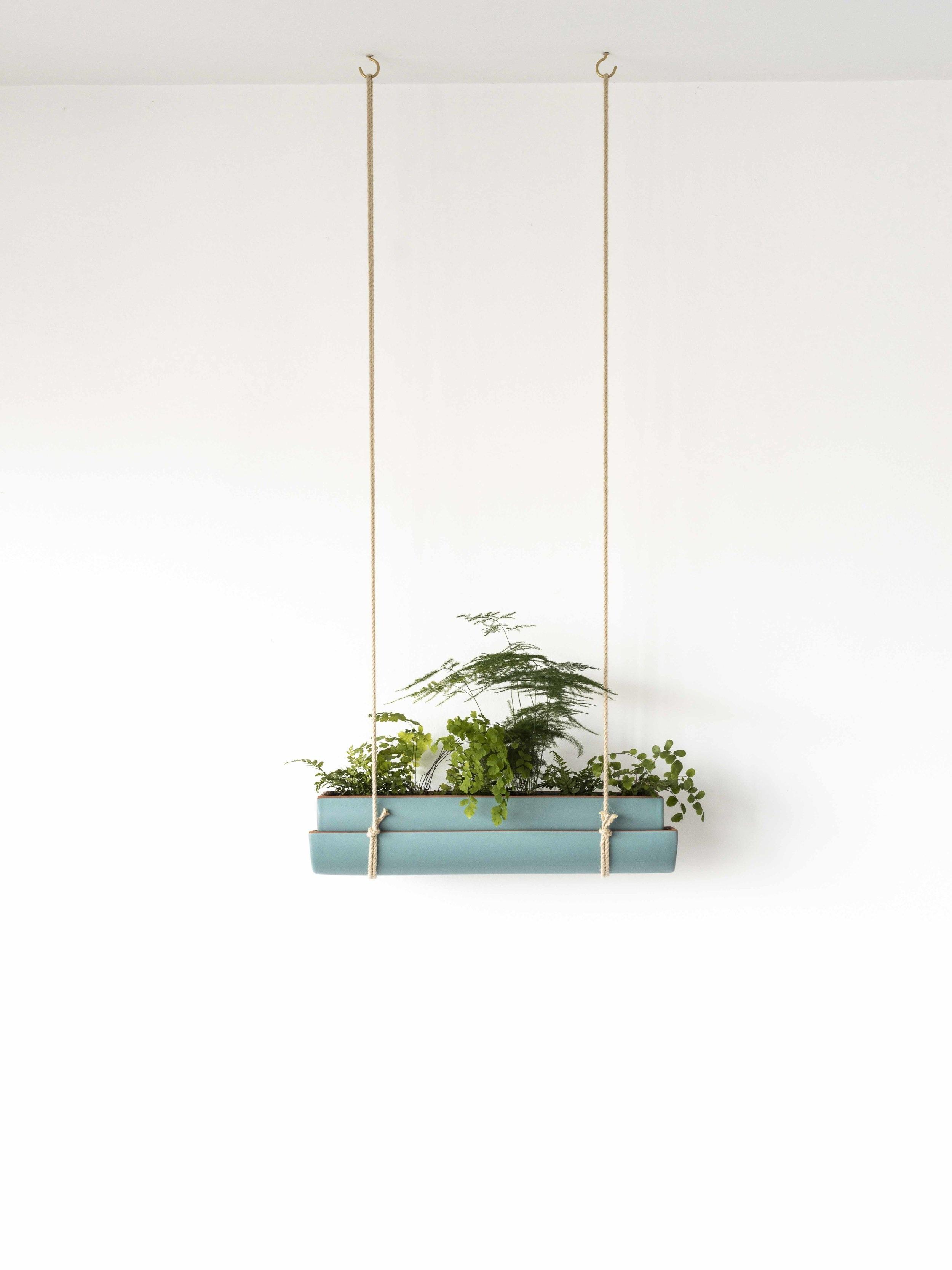 jardinie%CC%80re-suspendue-plafond.jpg