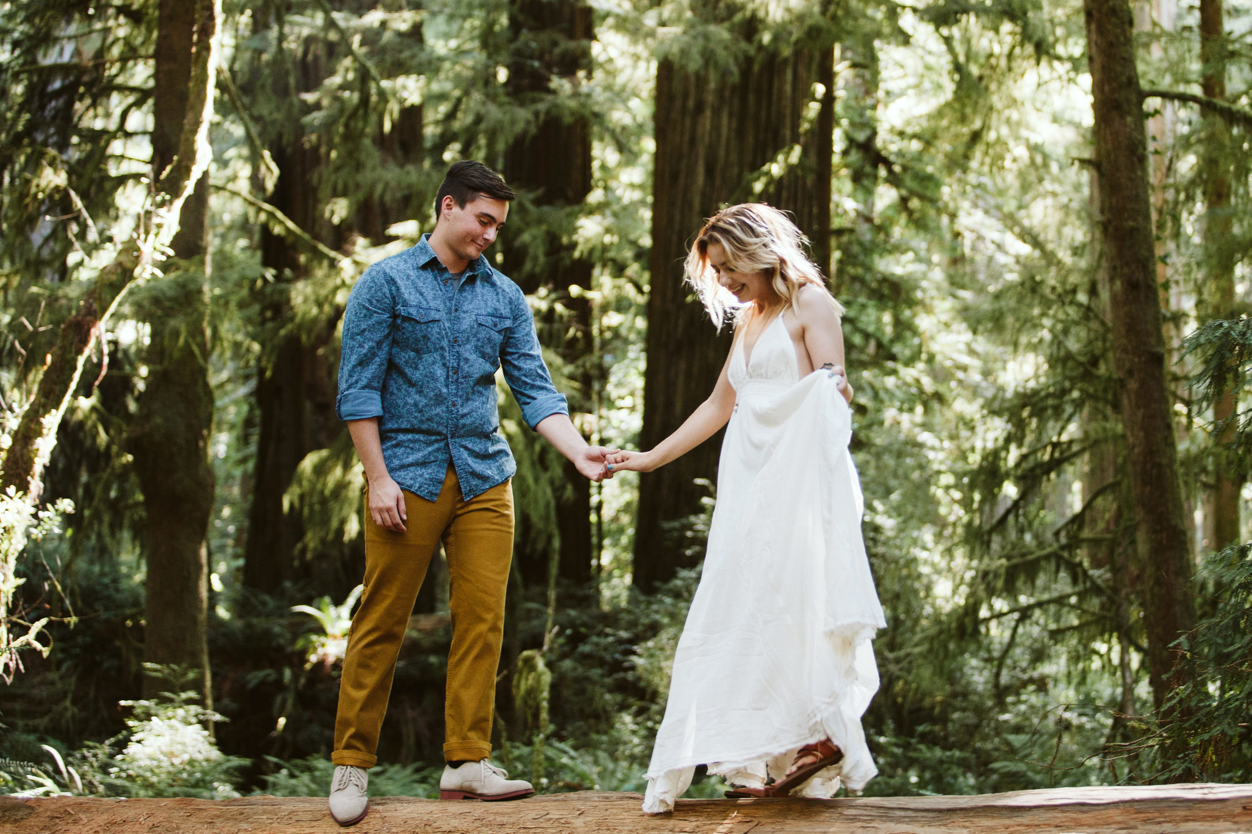 Hannah&Ben_Redwoods_Elopement_Engagement_PNW_SouthernOregon_NorthernCalifornia_ (4 of 23).jpg