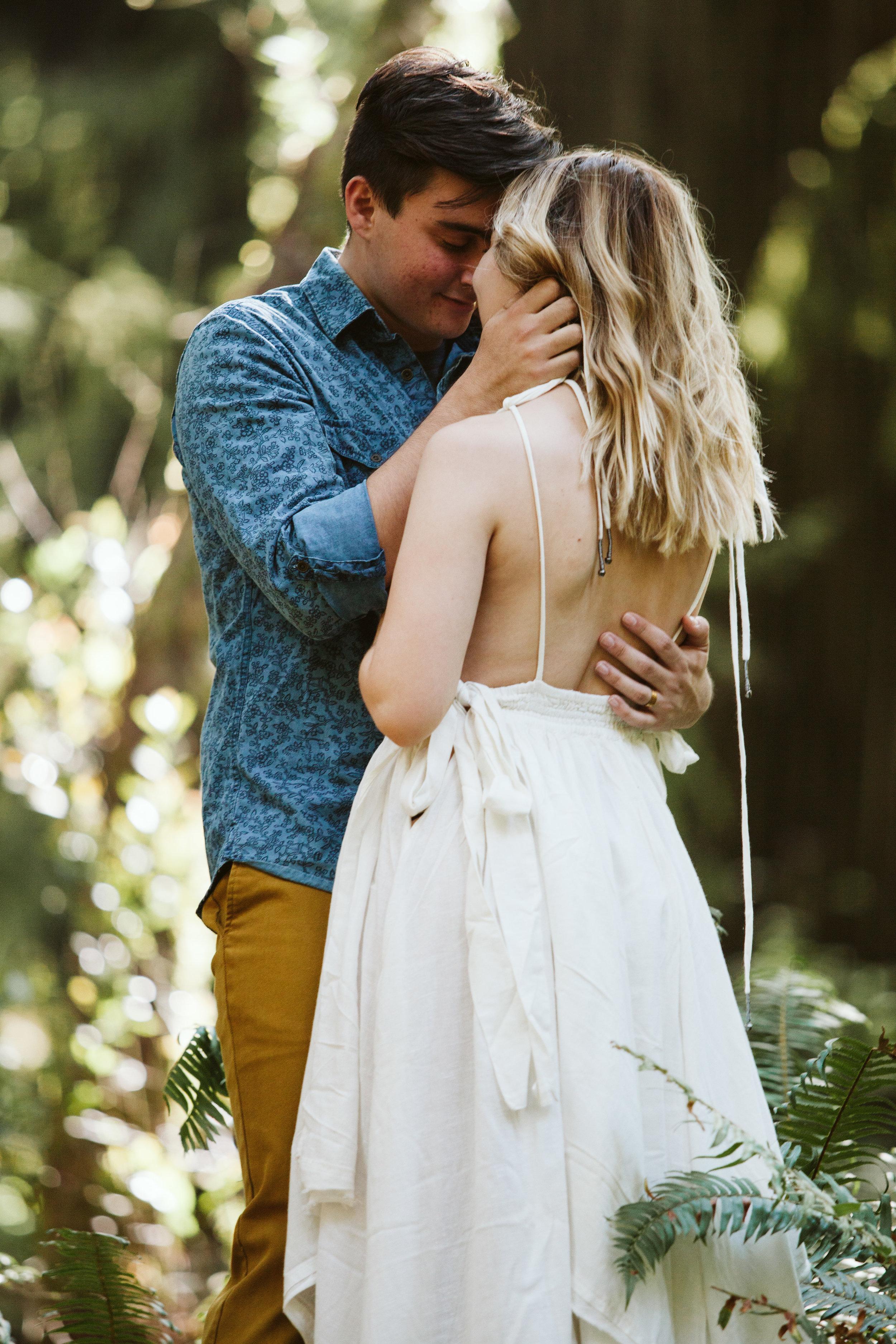 Hannah&Ben_Redwoods_Elopement_Engagement_PNW_SouthernOregon_NorthernCalifornia_ (6 of 23).jpg