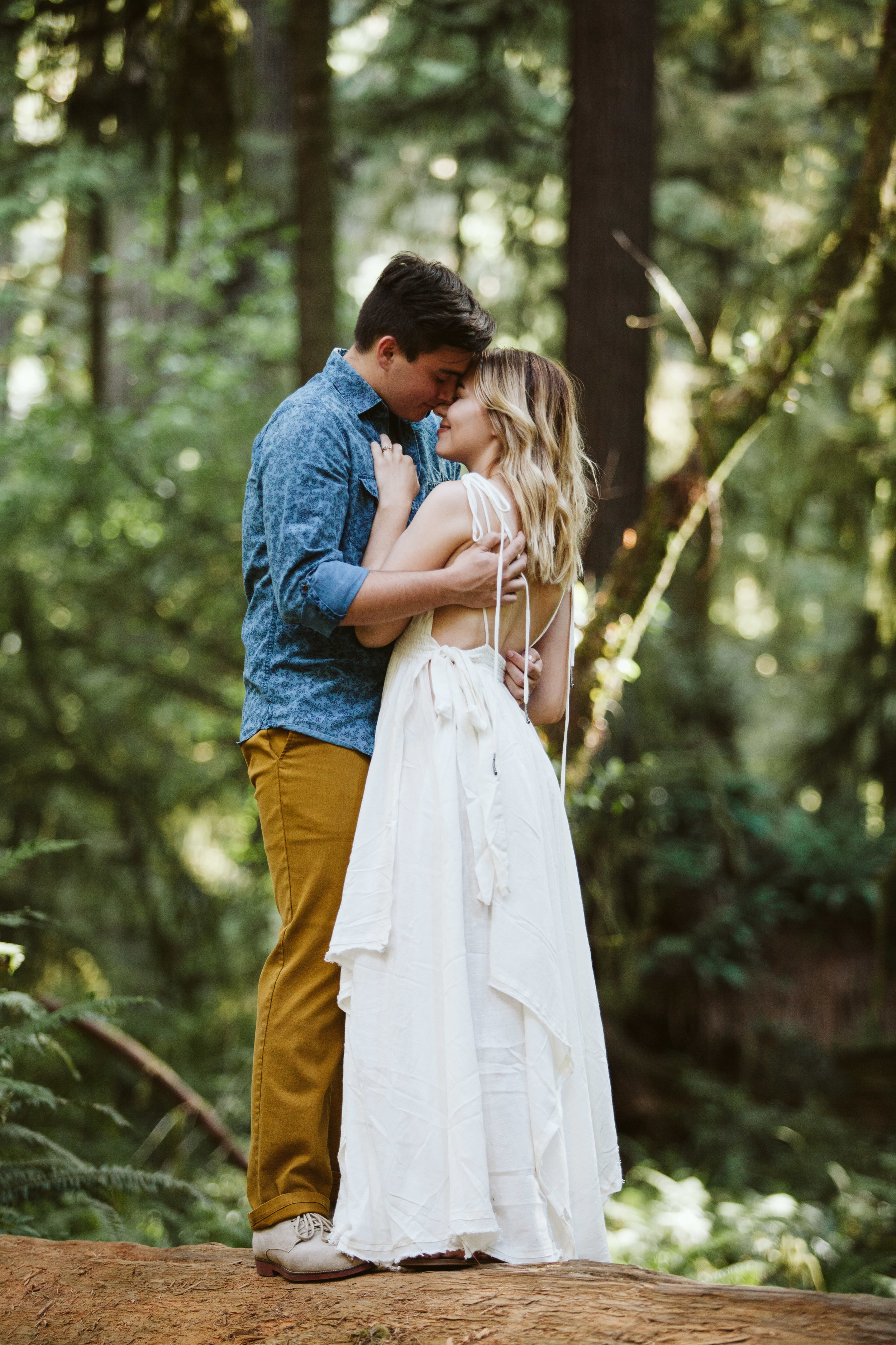 Hannah&Ben_Redwoods_Elopement_Engagement_PNW_SouthernOregon_NorthernCalifornia_ (7 of 23).jpg