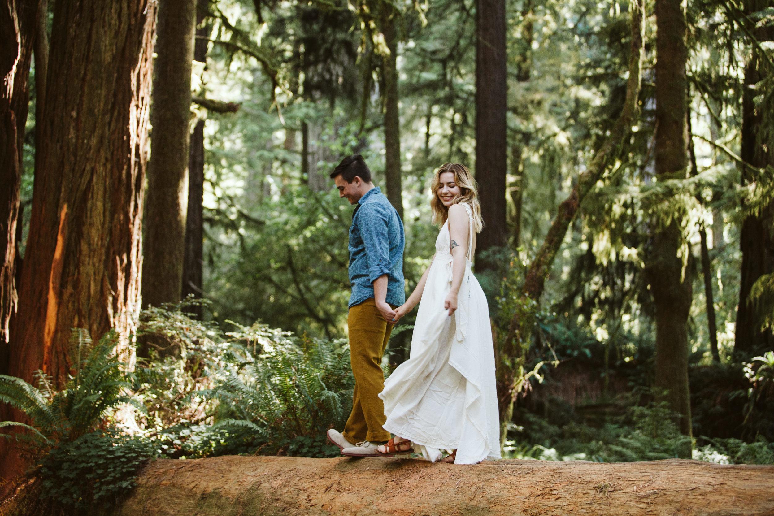 Hannah&Ben_Redwoods_Elopement_Engagement_PNW_SouthernOregon_NorthernCalifornia_ (9 of 23).jpg