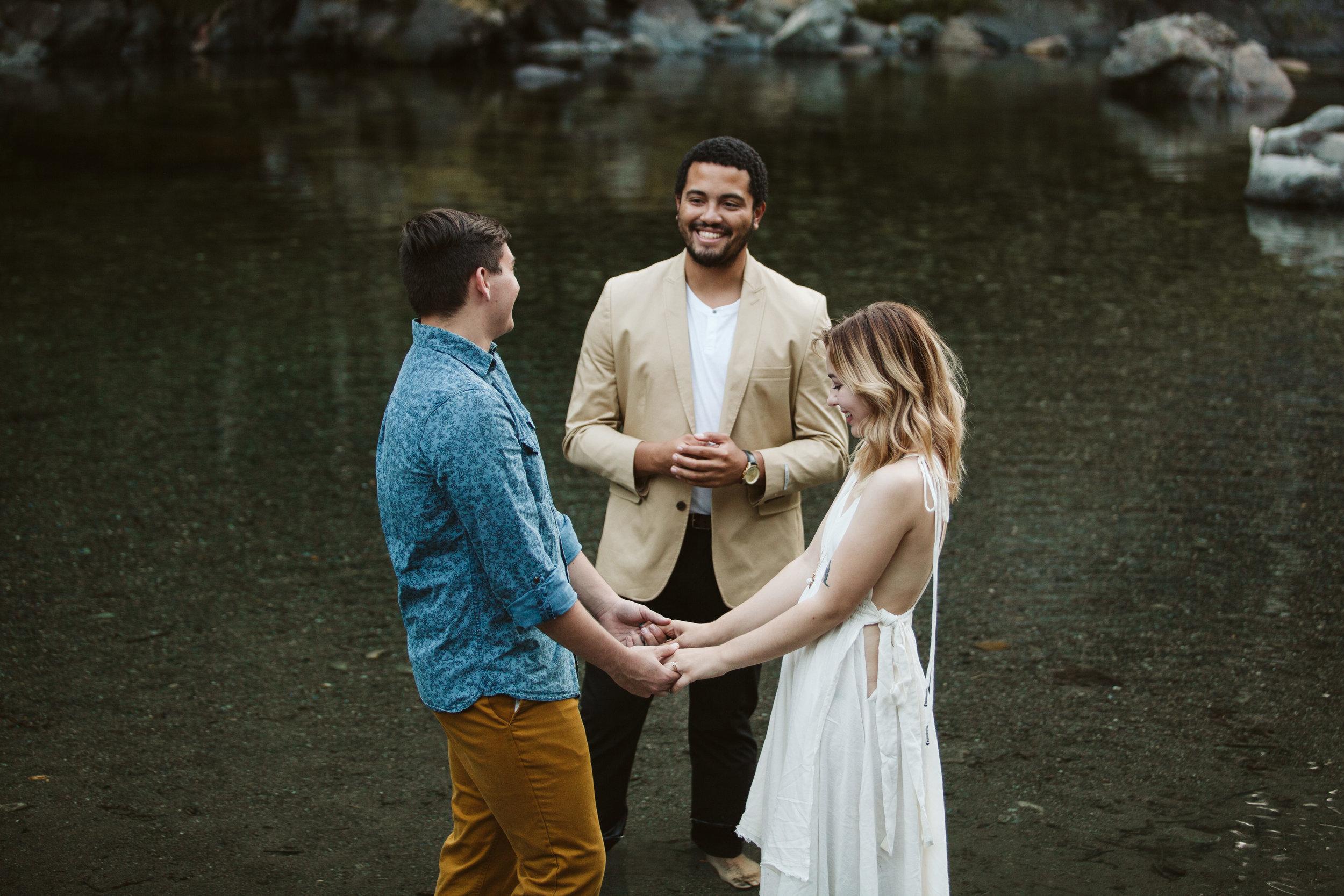 Hannah&Ben_Redwoods_Elopement_Engagement_PNW_SouthernOregon_NorthernCalifornia_ (18 of 23).jpg
