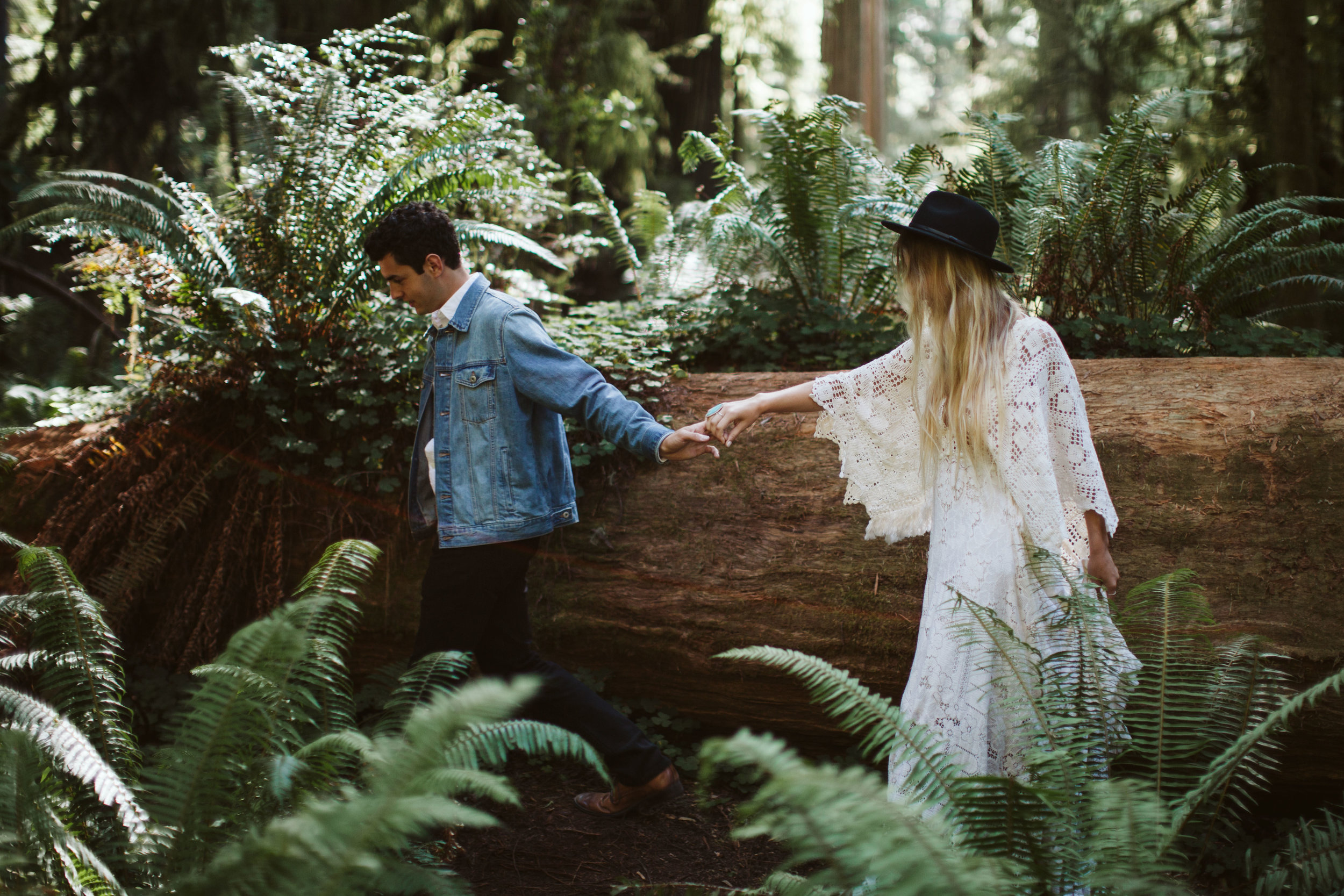 Redwoods_Elopement_Engagement_PNW_SouthernOregon_NorthernCalifornia_ (3 of 42).jpg
