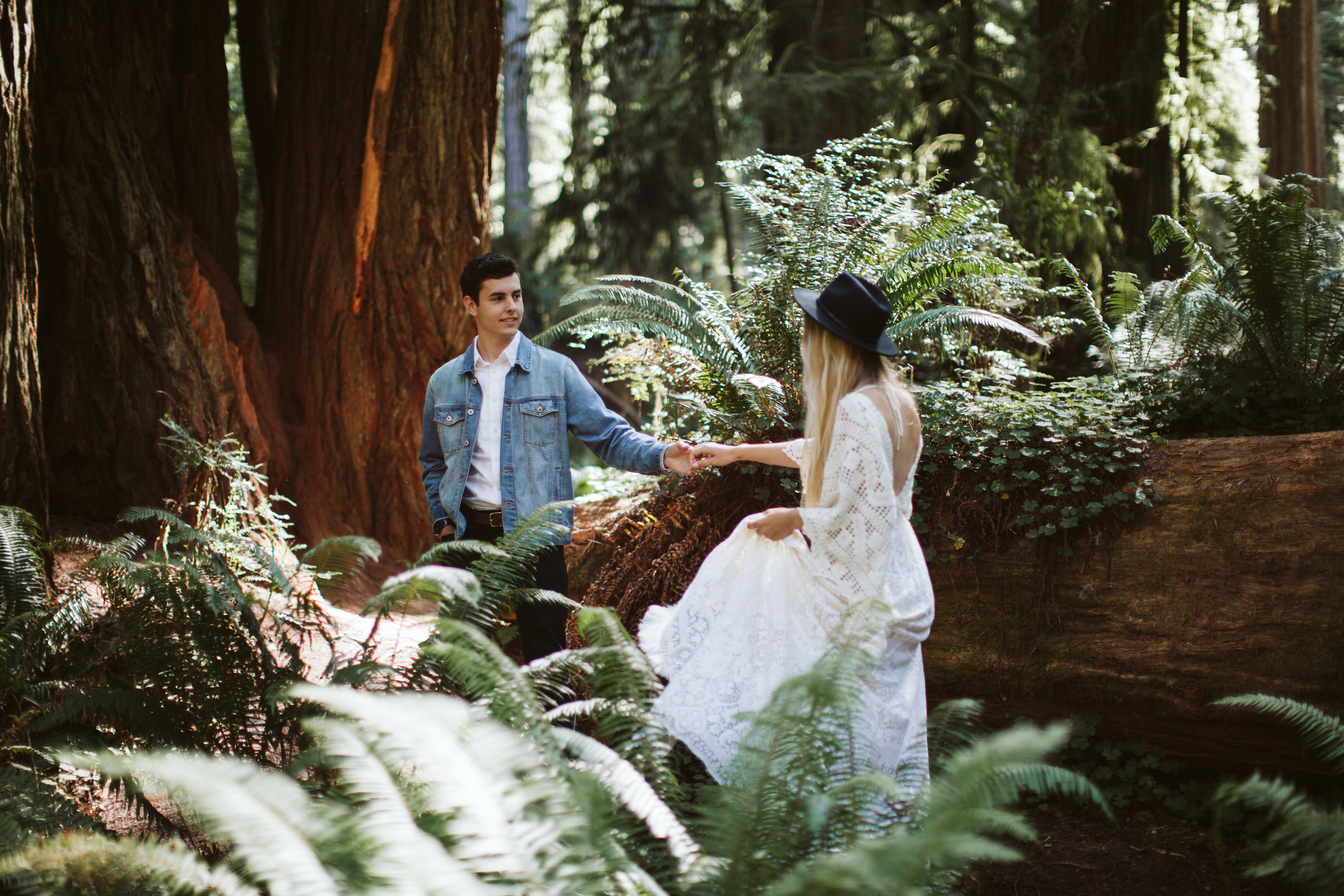 Redwoods_Elopement_Engagement_PNW_SouthernOregon_NorthernCalifornia_ (4 of 42).jpg