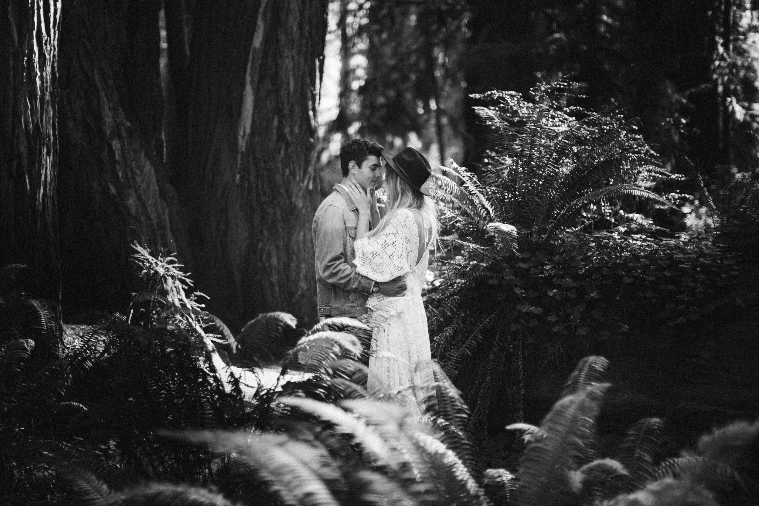 Redwoods_Elopement_Engagement_PNW_SouthernOregon_NorthernCalifornia_ (7 of 42).jpg