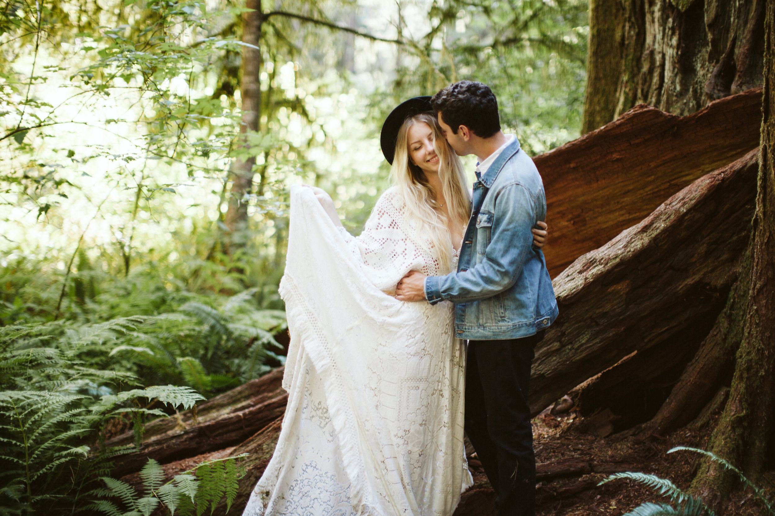 Redwoods_Elopement_Engagement_PNW_SouthernOregon_NorthernCalifornia_ (11 of 42).jpg