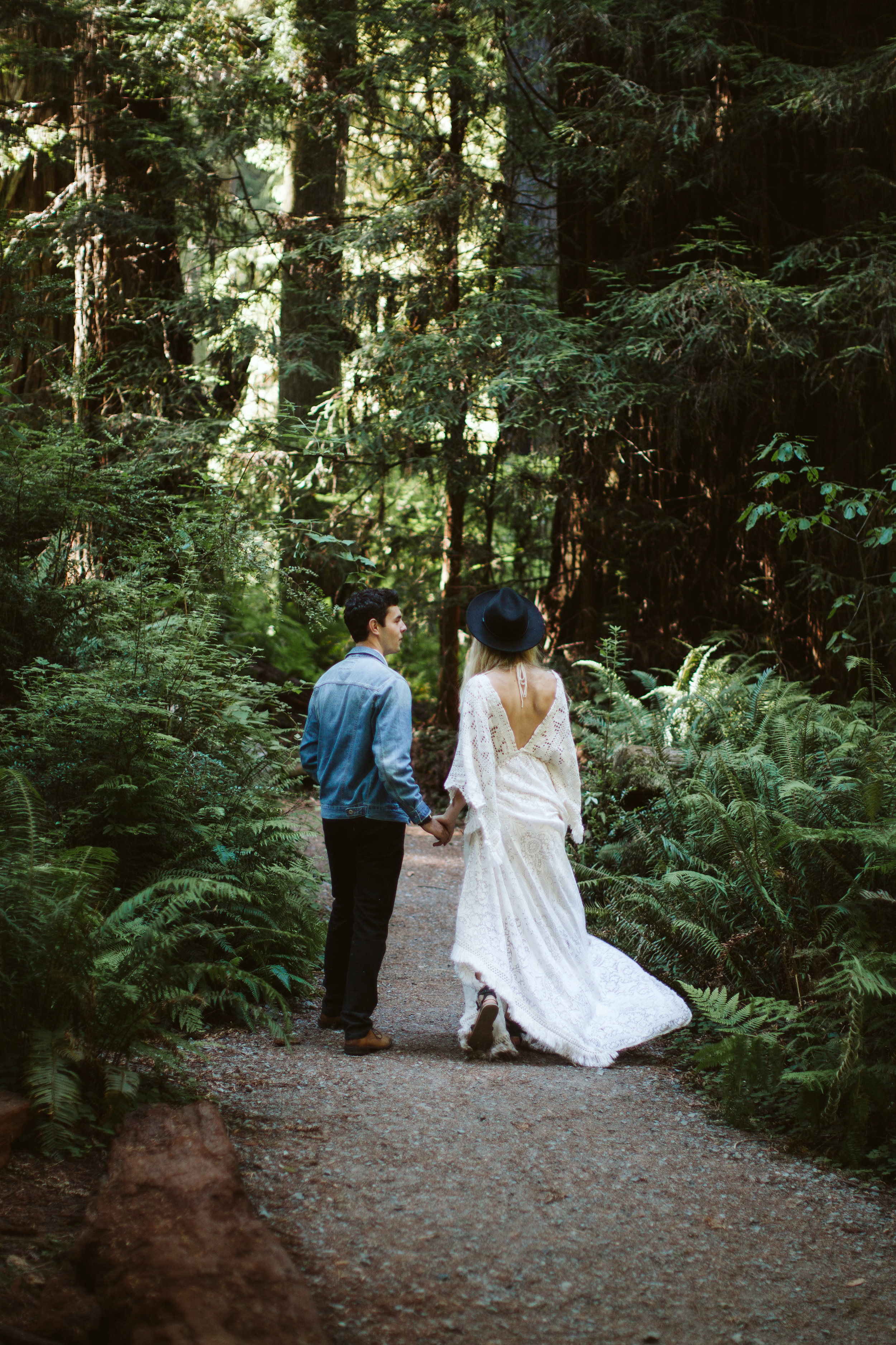 Redwoods_Elopement_Engagement_PNW_SouthernOregon_NorthernCalifornia_ (14 of 42).jpg