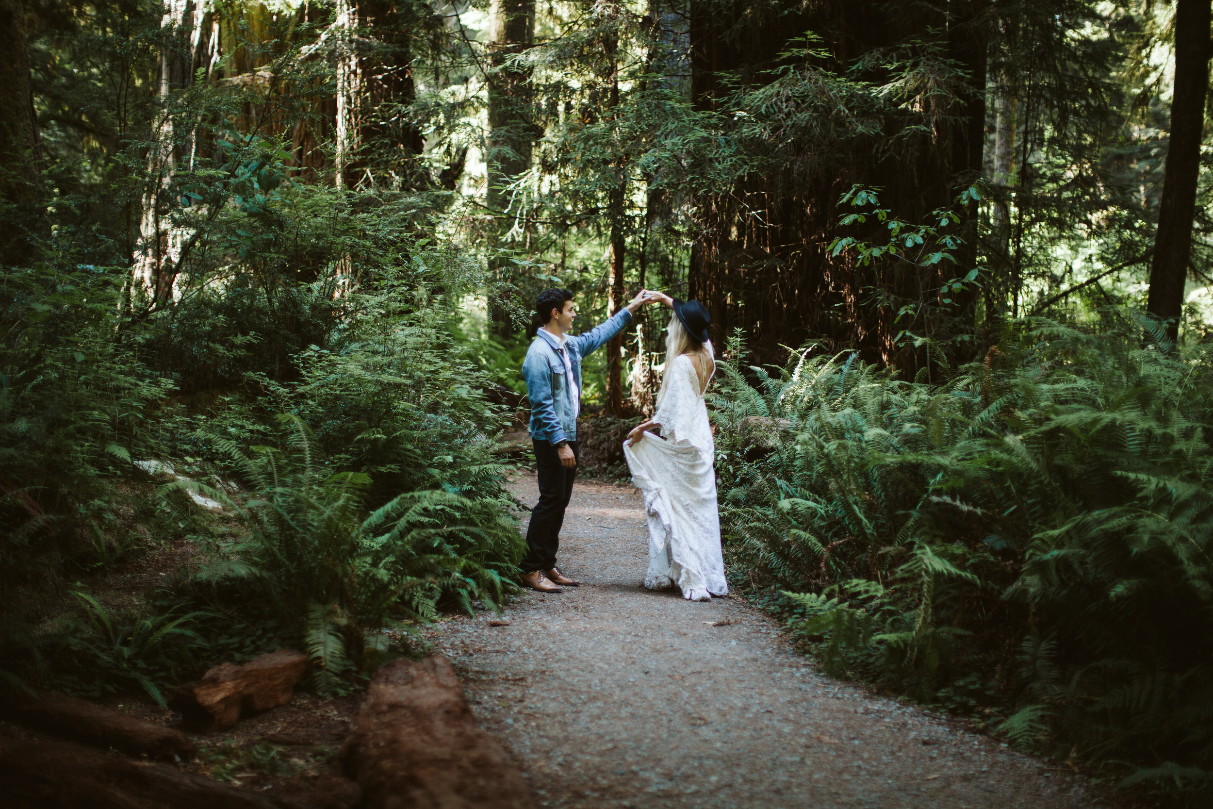Redwoods_Elopement_Engagement_PNW_SouthernOregon_NorthernCalifornia_ (15 of 42).jpg