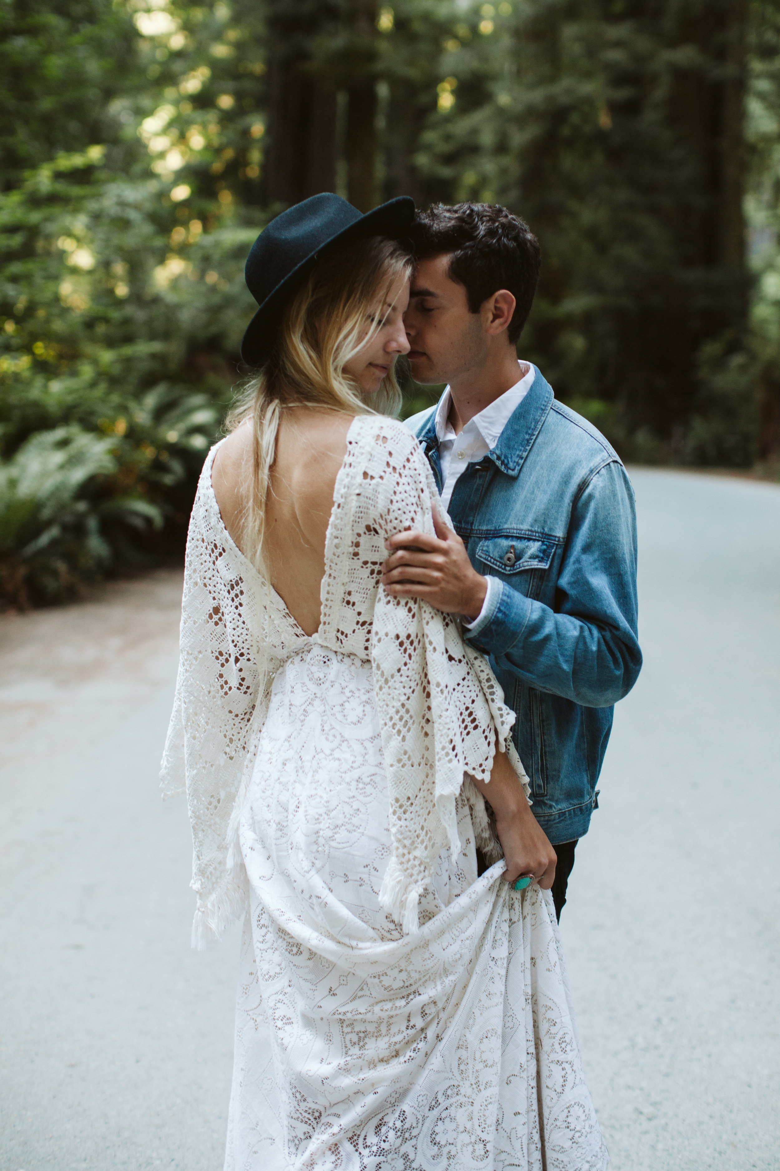 Redwoods_Elopement_Engagement_PNW_SouthernOregon_NorthernCalifornia_ (36 of 42).jpg